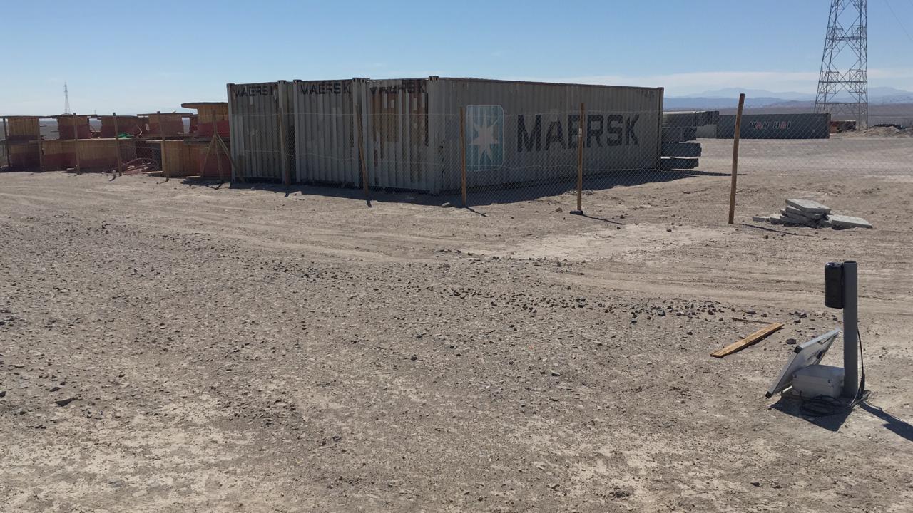 Imagen de un nodo instalado en el desierto