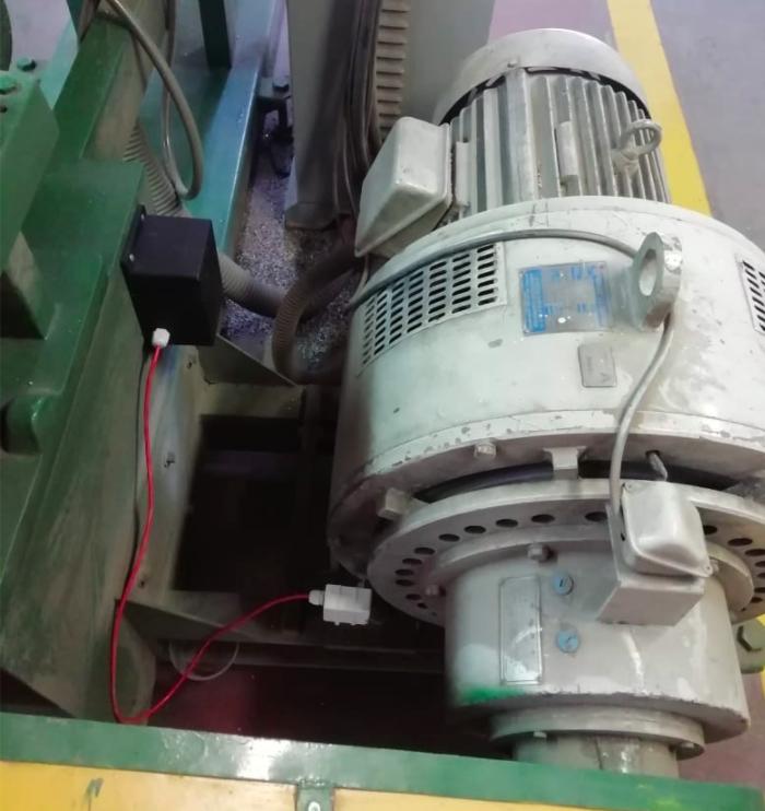 Sensor vibración instalado en planta